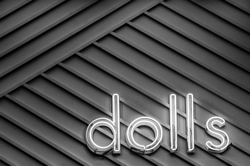DOLLS_NEON_SIGNS_ATHENS_2018.jpg