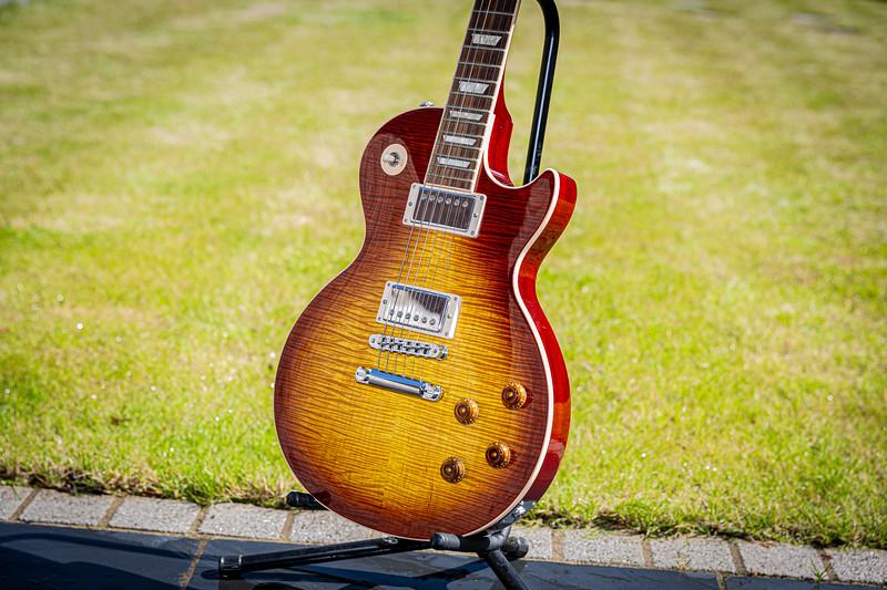 Gibson - 2016 - Les Paul Standard - Sunburst