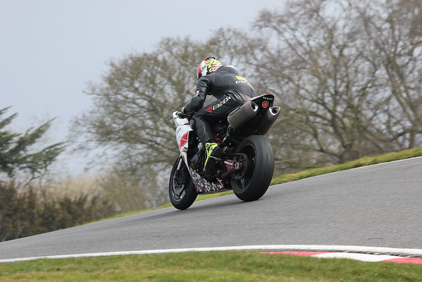 No Limits Trackday Cadwell 15/3/2015
