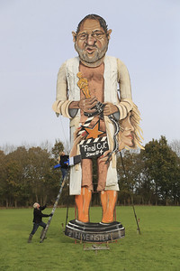 uk-town-to-burn-harvey-weinstein-in-effigy-on-bonfire-night