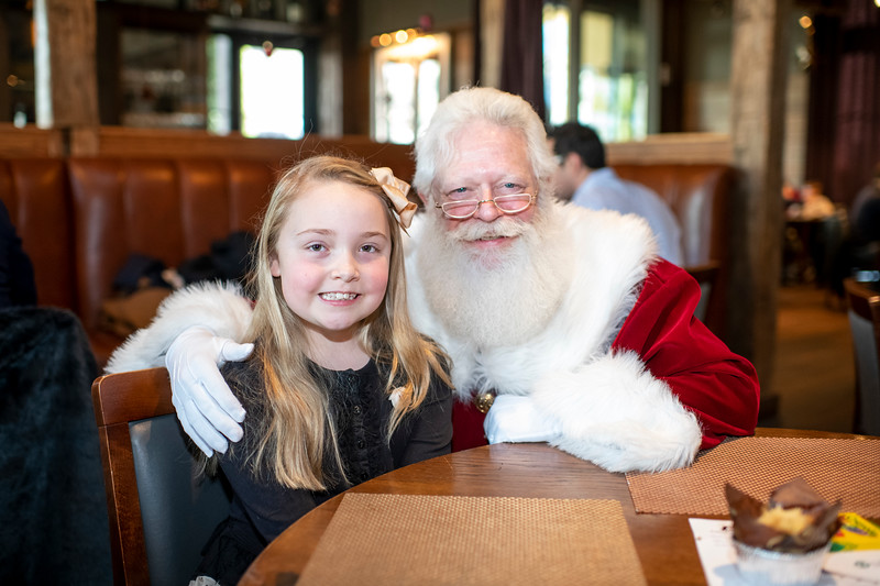 Avalon_BreakfastWithSanta_2019_9669.jpg