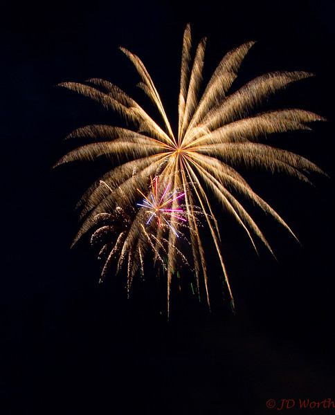 070417 Luray VA Downtown Fireworks - Golden Pinwheel Fan witrh Small Lower Left Pink Lavender Star-0908.jpg