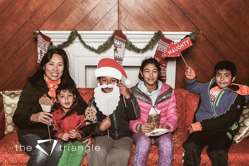 awkward-family-photo-booth-141.jpg