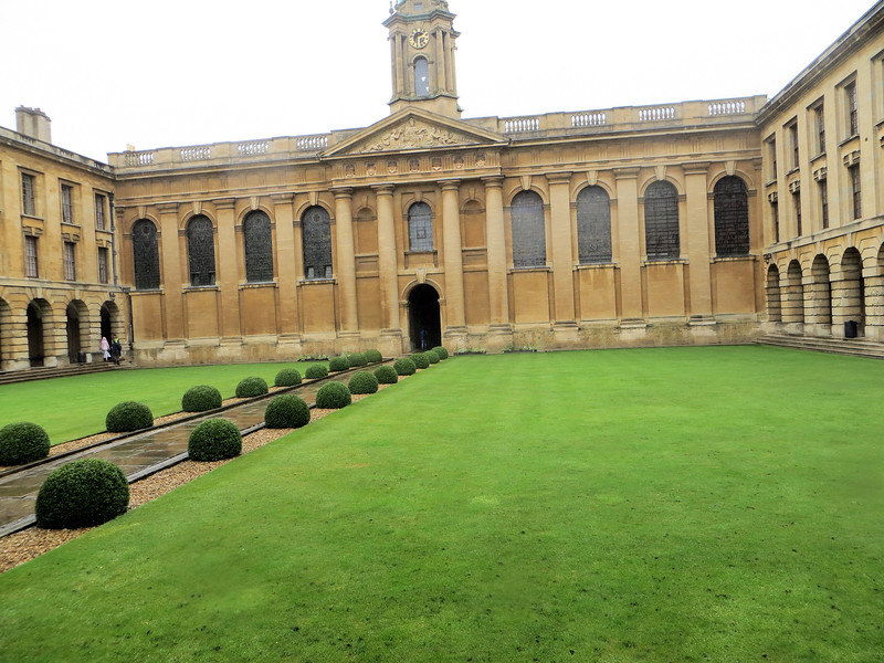 The 18th-century quadrangle at Queen's.  For once it's not Gothic.