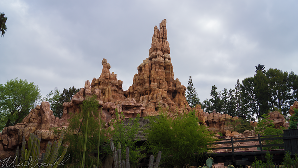 Disneyland Resort, Disneyland, Frontierland, Big, Thunder, Mountain, Railroad, Trail, Ranch, Jamboree Star, Wars, Land, Construction