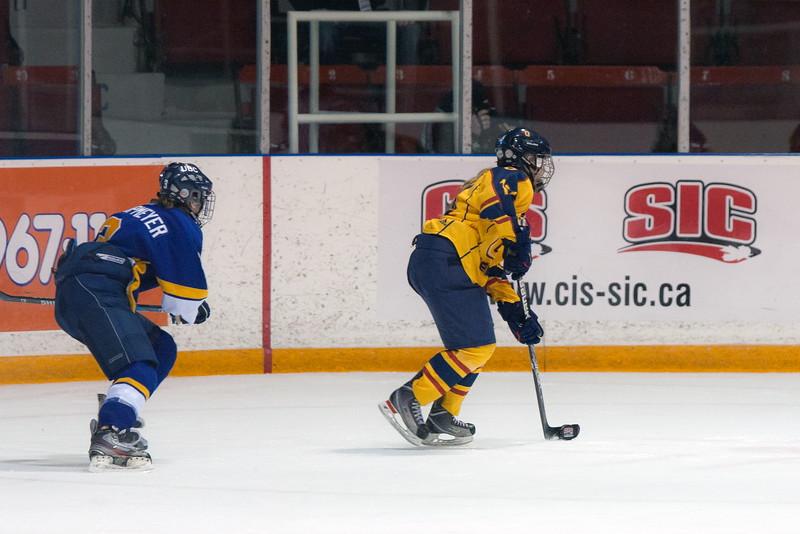 20130310 QWHockeyvsUBC 735.jpg