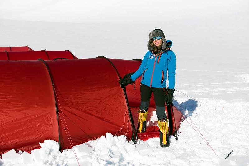 Climb Antarctica Women -1-11-18099733.jpg