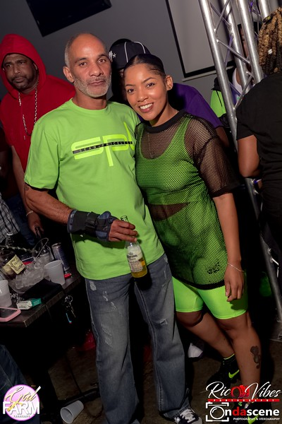 GAL FARM THURSDAYS PRESENTS IT'S GLOW NEON EDITION-10.jpg
