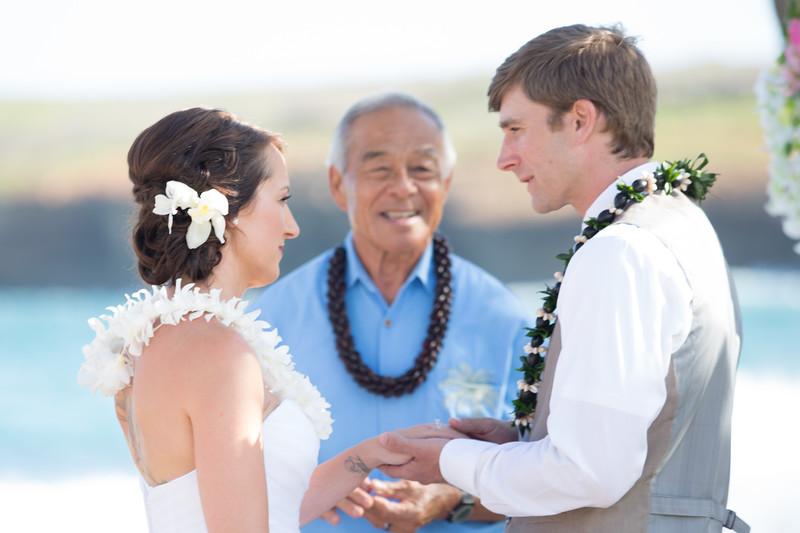 gillin beach kauai wedding-102.jpg