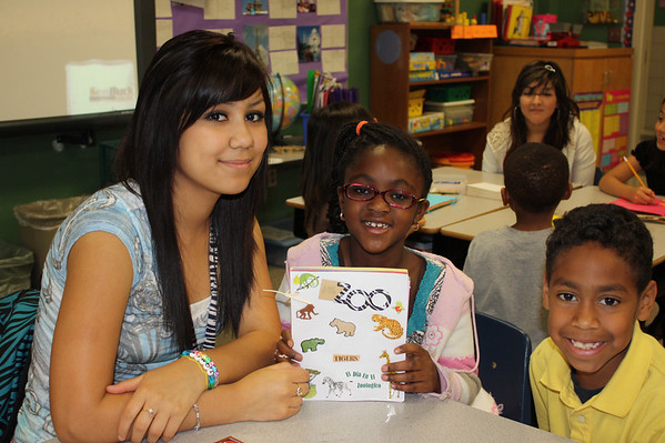Summit Students Read to D.P. Morris Students