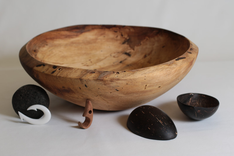 Kānoa ( ʻAwa Serving Bowl ) - Mango Wood. ʻApu (Coconut Shell Serving cups for ʻAwa )