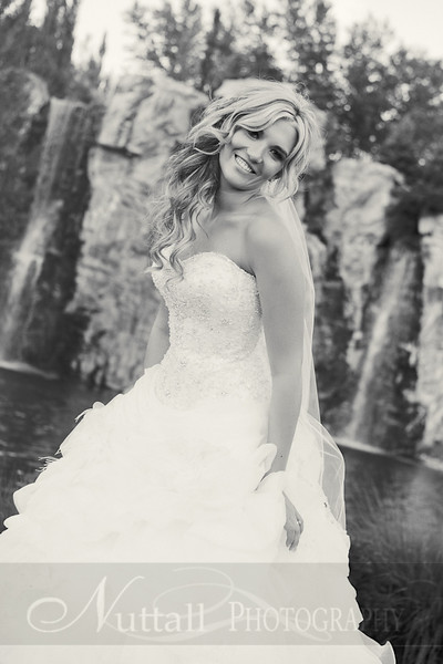 Stacy Bridals 41bw.jpg
