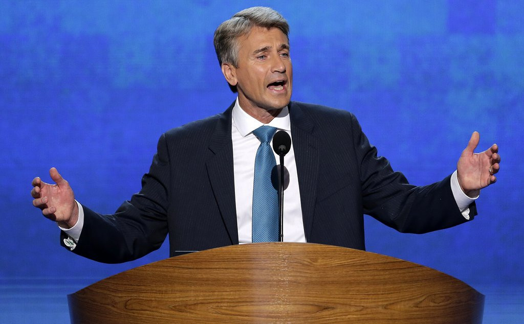 ". <p>6. R.T. RYBAK <p>Thinking only of Minneapolis taxpayers, selflessly schedules his heart attack AFTER leaving mayor�s office . (unranked) <p><b><a href=\'http://www.twincities.com/localnews/ci_24850476/ex-minneapolis-mayor-fine-spirits-one-day-after\' target=""_blank\""> HUH?</a></b> <p>    (AP Photo/J. Scott Applewhite, File)"