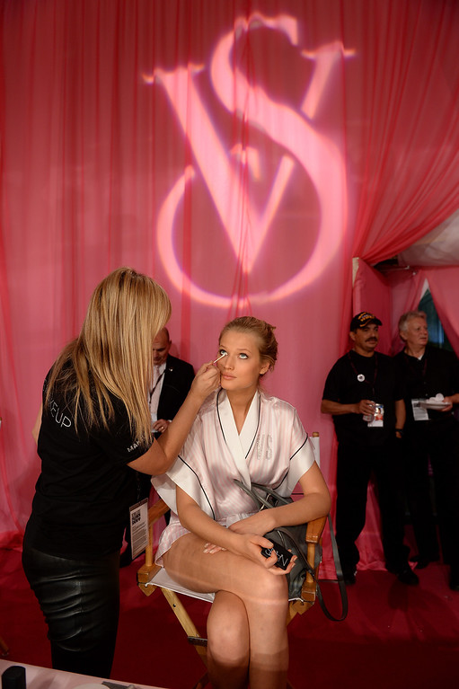 . Model Toni Garrn prepares at the 2013 Victoria\'s Secret Fashion Show hair and make-up room at Lexington Avenue Armory on November 13, 2013 in New York City.  (Photo by Dimitrios Kambouris/Getty Images for Victoria\'s Secret)