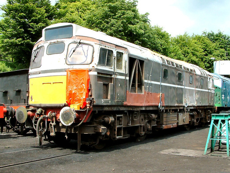 27007 undergoes restoration at Ropley on the 21st May 2004