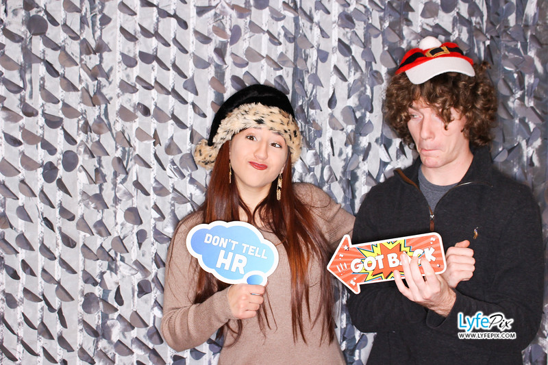 red-hawk-2017-holiday-party-beltsville-maryland-sheraton-photo-booth-0177.jpg