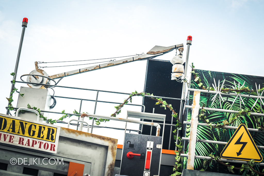 Universal Studios Singapore Park Update - Jurassic World Explore and Roar - Crane Winch
