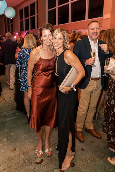2019_11_Yachtail_Party_00221.jpg