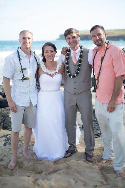 gillin beach kauai wedding-159.jpg