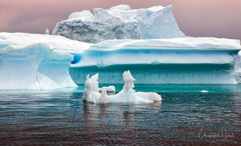 icebergs pleneau island_d3x_20130106_8284.jpg