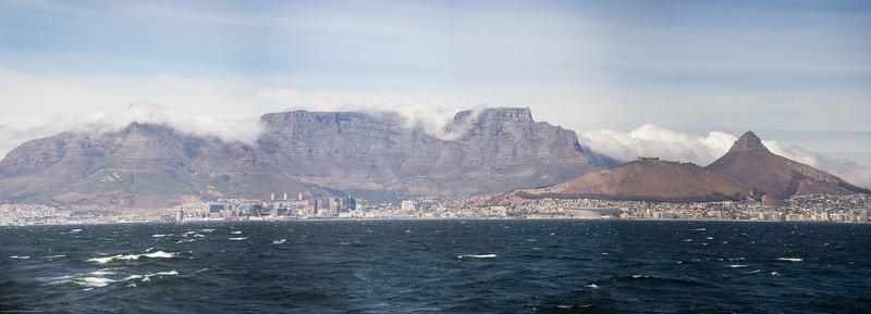 Capetown panorama from Robbin Island 2.jpg