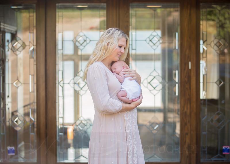 Skeen Newborn 08.jpg