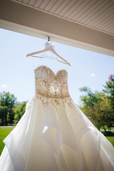 SARAH AND CHRIS - LAKEHOUSE WEDDING - 8.jpg