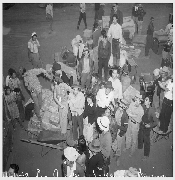 JapaneseBeingRelocatedc-1942-04--01.jpg