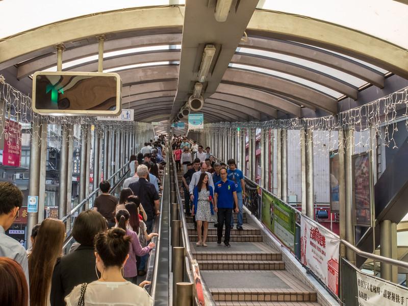 things to do in hong kong escalator.jpg