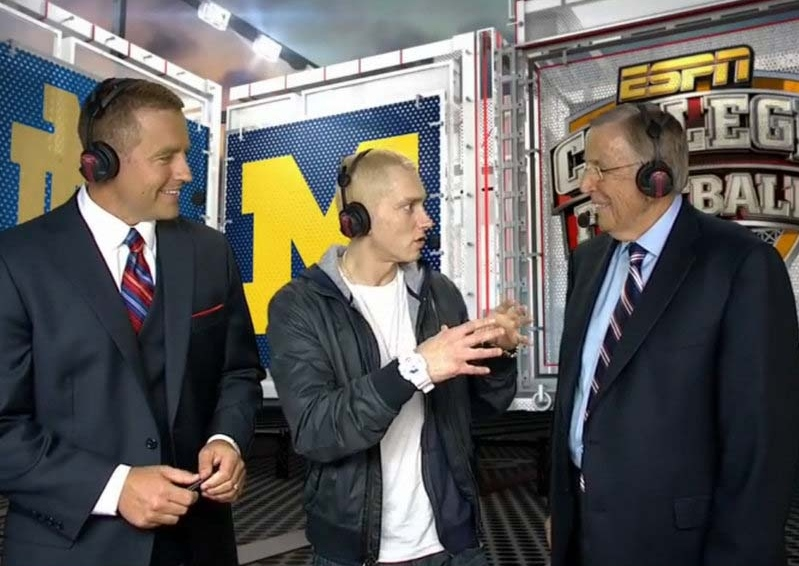 """. <p>2. EMINEM & BRENT MUSBURGER <p>Old Brent hadn�t been this excited since the last time he Googled �Katherine Webb upskirt.� (unranked) <p><b><a href=\'http://sports.yahoo.com/blogs/ncaaf-dr-saturday/eminem-joined-brent-musburger-kirk-herbstreit-spectacular-video-023530984--ncaaf.html\' target=\""""_blank\""""> HUH?</a></b> <p>   (ESPN photo via YouTube)"""