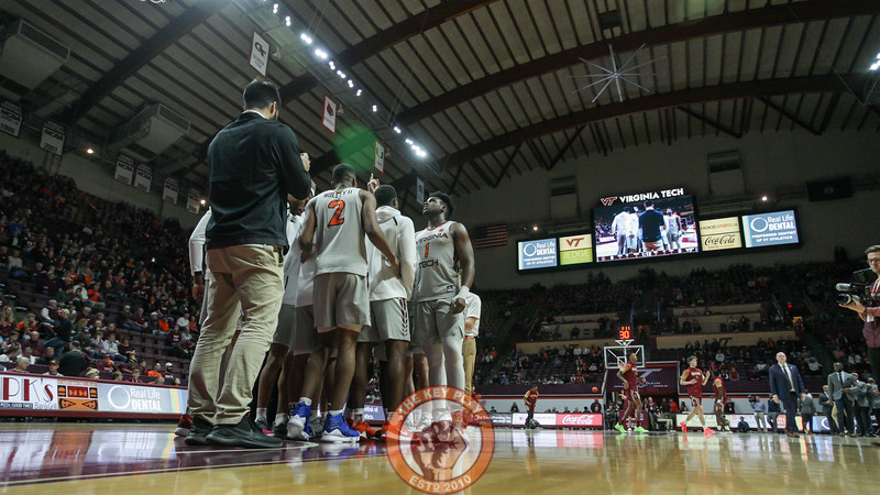 The Hokies huddle before pre-game ceremonies begin against Boston College. (Mark Umansky/TheKeyPlay.com)