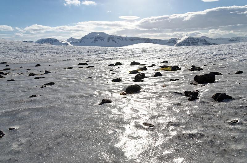 Siglufjardarfjöll: Holsfjall iced top plane