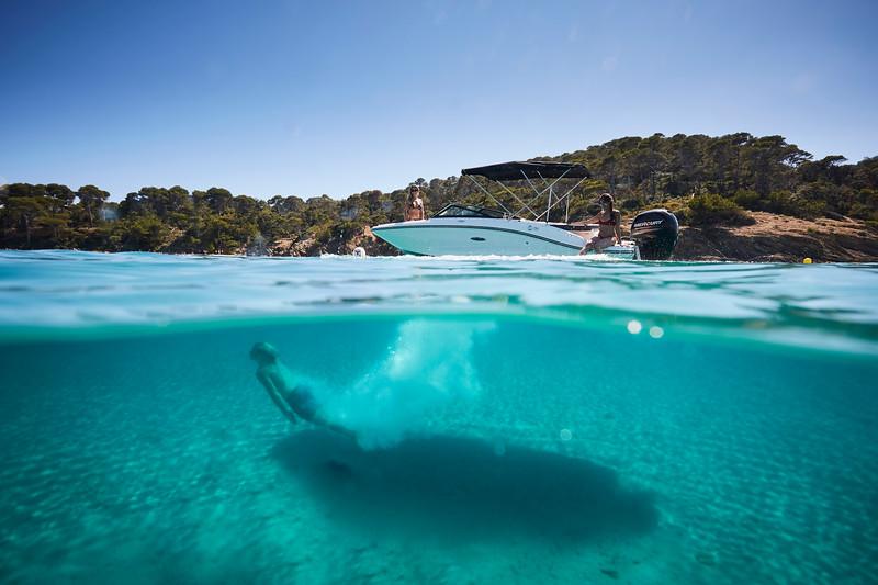 2020-SPX-190-ob-lifestyle-underwater (8).jpg