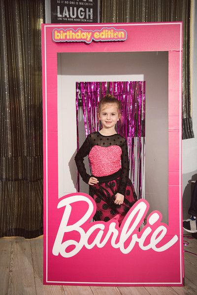 2020-0104-delaney-barbie-party-44.jpg