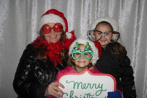 LaMore Realty 2019 Santa on the Square