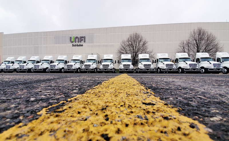 Unfi truck 2022.jpg