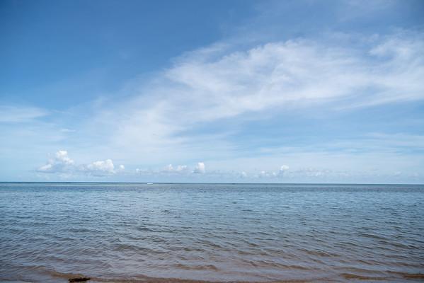 Playa Escondida y Playa Colorá