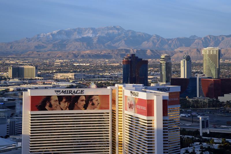 Vegas strip early AM 02.jpg