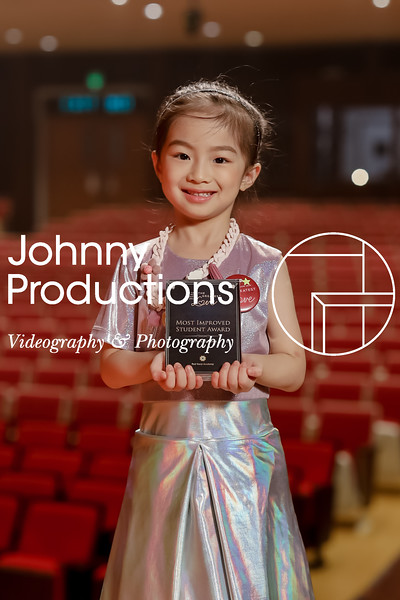 0015_day 1_award_red show 2019_johnnyproductions.jpg