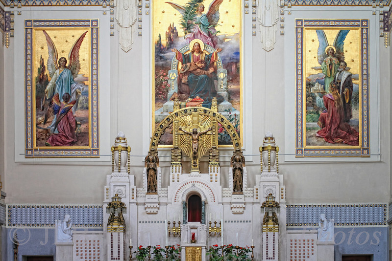The Karl-Borromäus Church in Vienna's central cemetery.  Constructed in the Jugendstil (Art Nouveau) in 1908-1910.  Close-up of the altar.