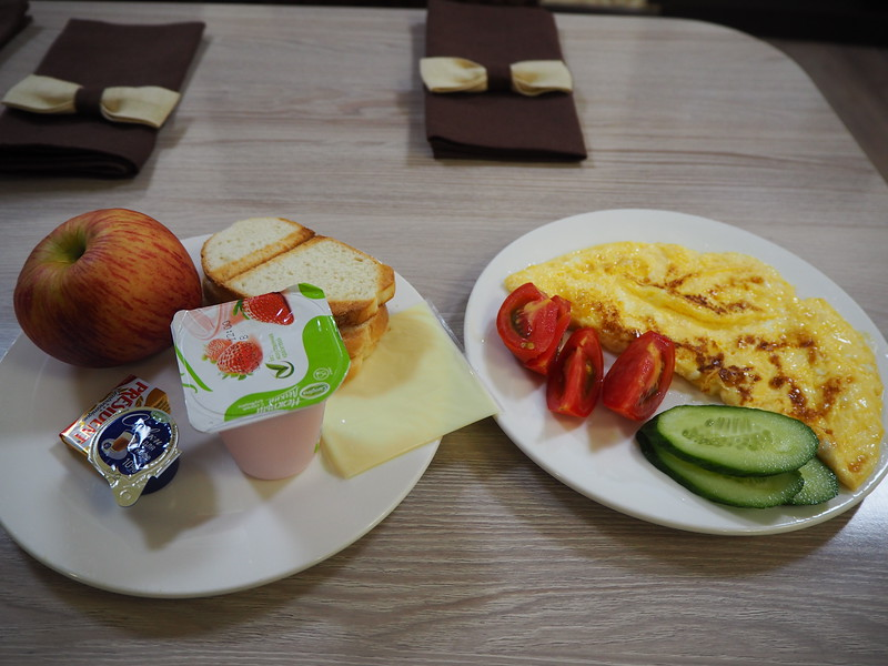 P7210075-hotel-breakfast.JPG