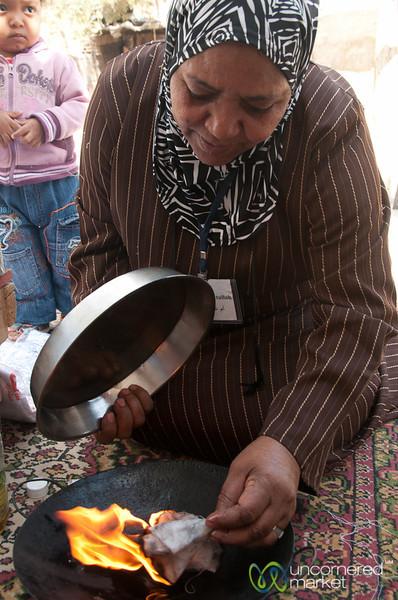 Making Kohol (Traditional Eyeliner) - Ghor al Mazra'a, Jordan
