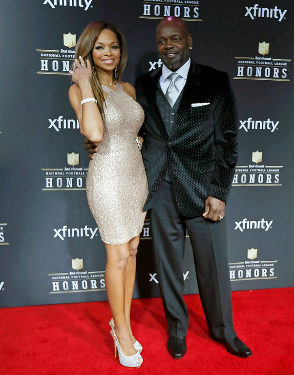 . Former Dallas Cowboys running back Emmitt Smith and his wife Patricia Southall arrive at the 2nd Annual NFL Honors in New Orleans, Louisiana, February 2, 2013. The San Francisco 49ers will meet the Baltimore Ravens in the NFL Super Bowl XLVII football game February 3.    REUTERS/Lucy Nicholson