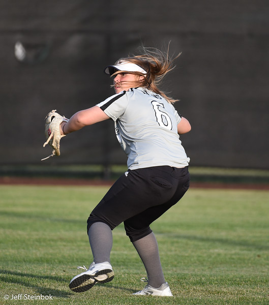 Softball - 2019-05-13 - ELL White Sox vs Sammamish (54 of 61).jpg