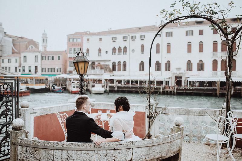 Tu-Nguyen-Destination-Wedding-Photographer-Vow-Renewal-Venice-Italy-Hochzeitsfotograf-Italien-Venedig-34.jpg
