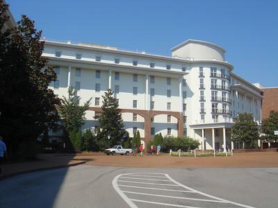 Nashville,TN Opreyland Hotel