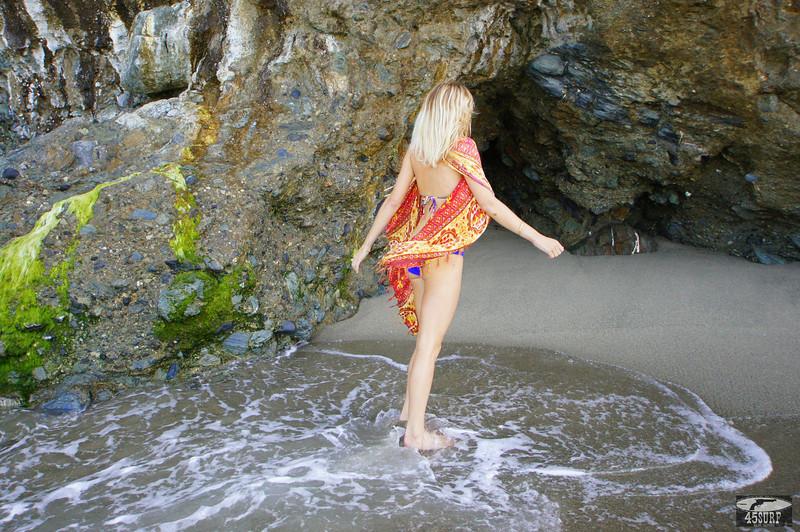 45surf bikini hot pretty swimsuit model hot pretty swimsuit biki 175.,kl,..jpg