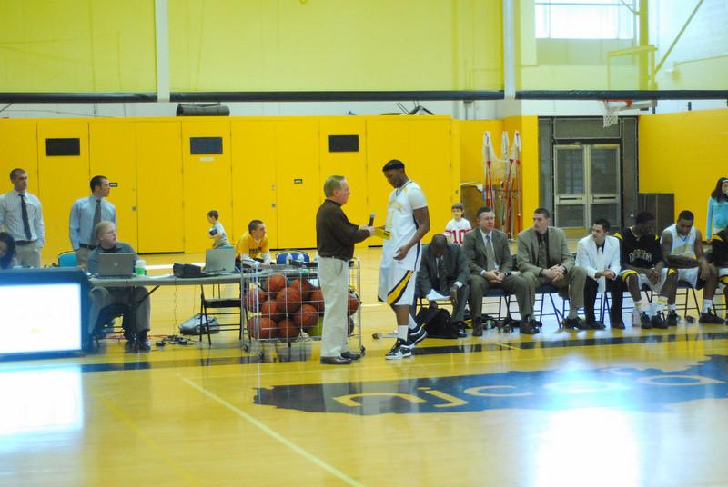 20090301_MCC Basketball_5741.JPG