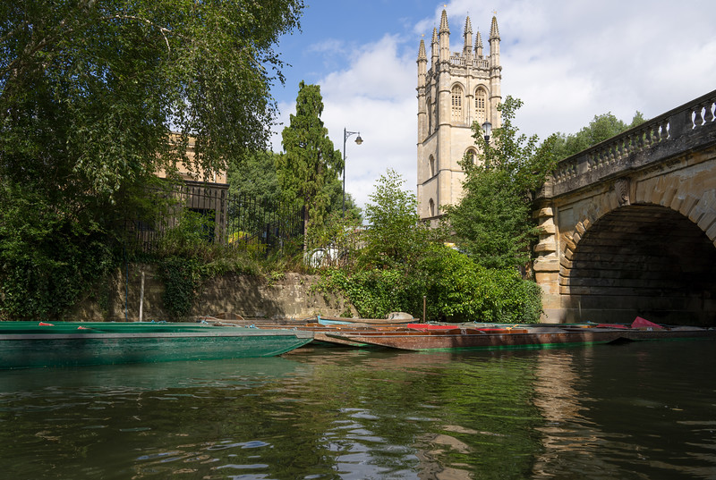 Punting on the River Cherwell in Oxford