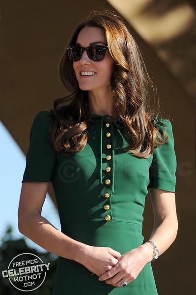 Royals In Ray-Bans! Kate Middleton & Prince William Wear Matching Wayfarer Sunglasses